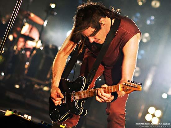 Robin Finck - Nine Inch Nails @ Holmdel NJ - 6 Jun 2009 dsc3415-550px.jpg